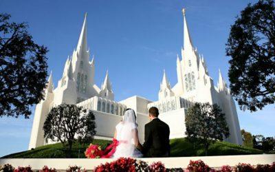 Una coppia si prepara per costruire il cammino eterno, che porterà i loro cuori verso la meta per eccellenza